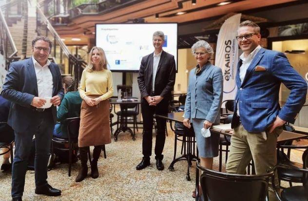 Übergabe der Zwischenergebnisse am 22. September 2021 im Café Luitpold in München